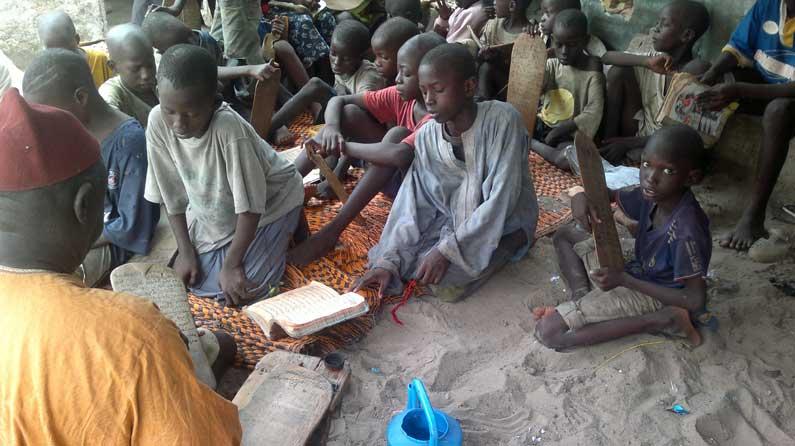 Talibés-Kinder in einer Koranschule